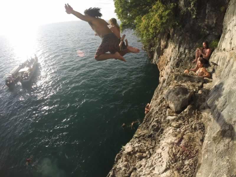 Krabi Sunset cruise - Cliff Jumping
