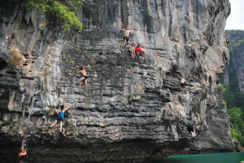 Krabi Sunset cruise - Cliff Jumping at Poda Island
