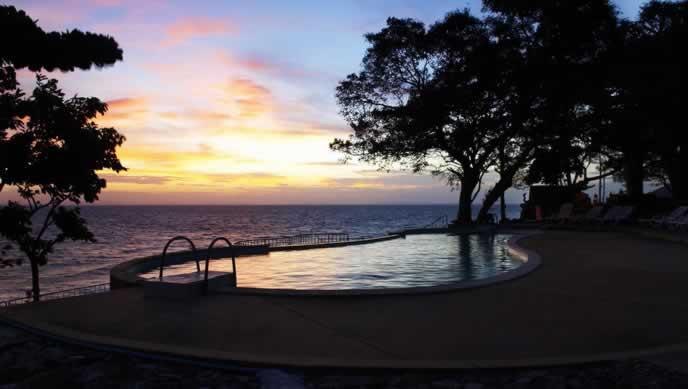 Phi Phi Natural resort - Beach Front Pool