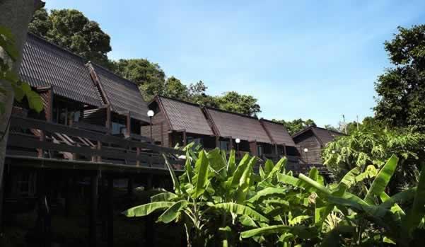 Phi Phi Natural resort - Standard Room Building Front