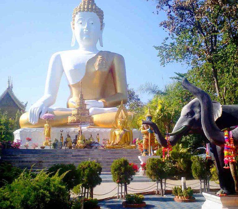 Chiang Mai, Wat Doi Kham - Big Buddha