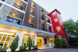 Hotel De Bangkok Entrance