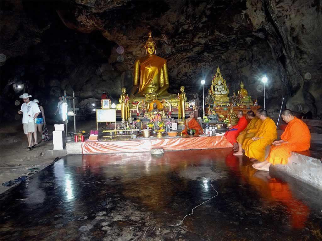 Tham krasae cave - Kanchanaburi