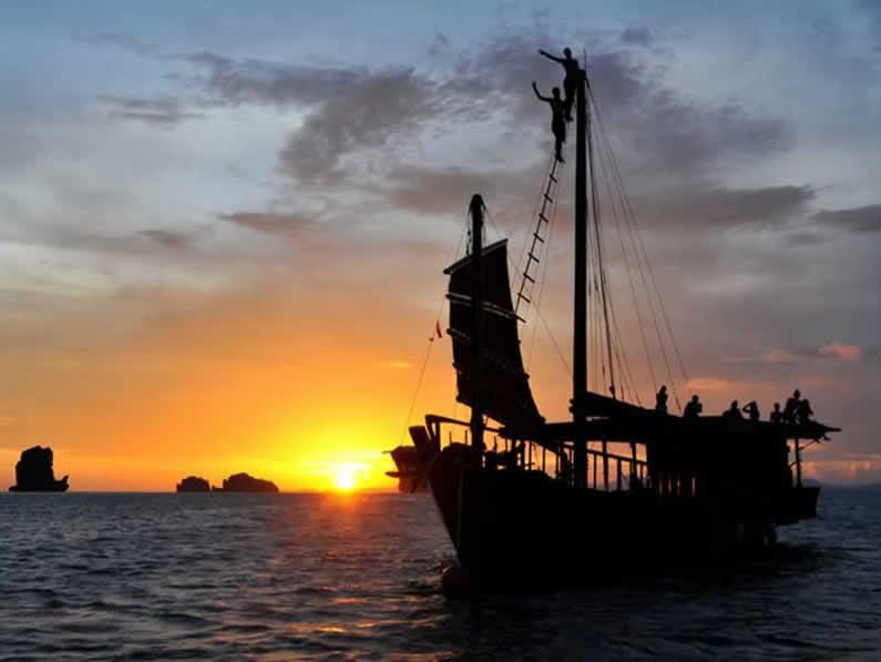 Krabi Sunset Cruise - Pla Luang at SUnset